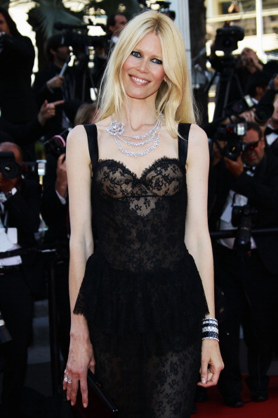 "Claudia Schiffer「""This Must Be The Place"" Premiere - 64th Annual Cannes Film Festival」:写真・画像(11)[壁紙.com]"