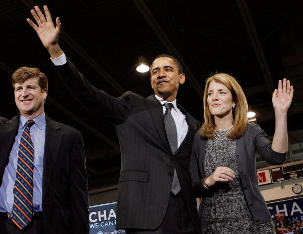 Behind「Obama Holds Campaign Rally In Washington DC」:写真・画像(10)[壁紙.com]