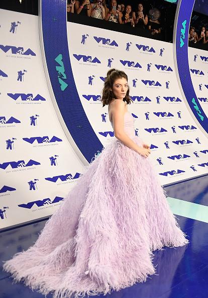 MTV Video Music Awards「2017 MTV Video Music Awards - Red Carpet」:写真・画像(3)[壁紙.com]