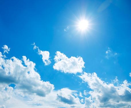 雲「青い空と太陽」:スマホ壁紙(5)