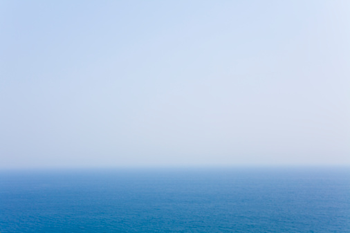 海「Blue sky and horizon」:スマホ壁紙(9)