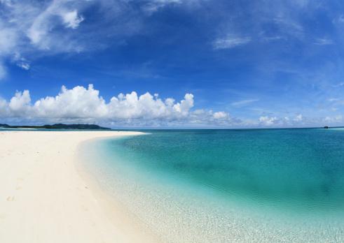 ビーチ「Blue sky and sea」:スマホ壁紙(0)