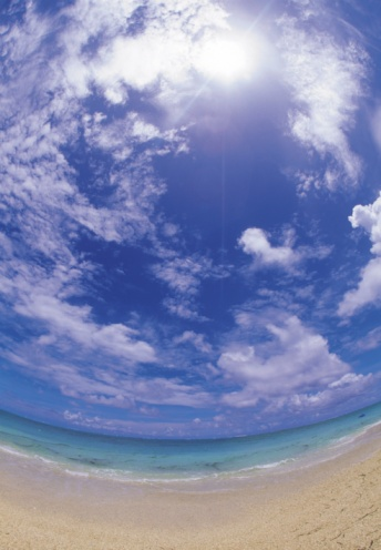 Fish-Eye Lens「Blue sky and clouds in round」:スマホ壁紙(15)