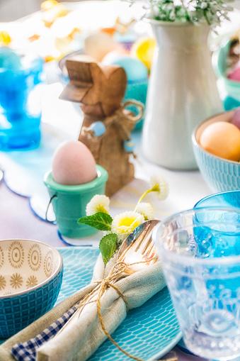 イースター「Colorful Decorated Easter Place Setting」:スマホ壁紙(5)