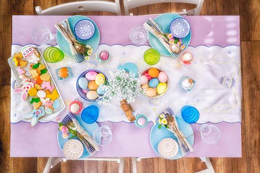 イースター「Colorful Decorated Easter Place Setting」:スマホ壁紙(13)