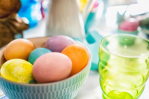 イースター「Colorful Decorated Easter Place Setting」:スマホ壁紙(14)