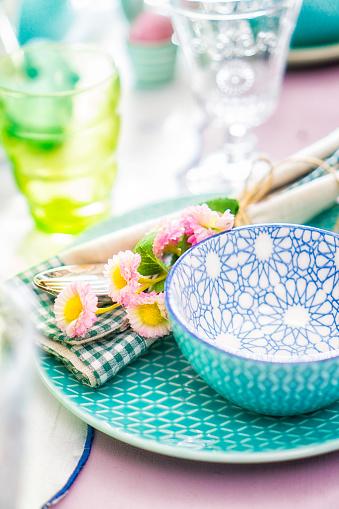 イースター「Colorful Decorated Easter Place Setting」:スマホ壁紙(16)