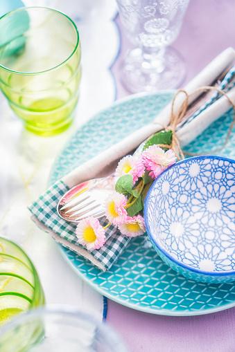イースター「Colorful Decorated Easter Place Setting」:スマホ壁紙(3)