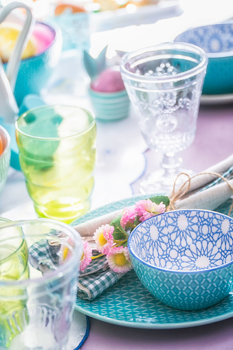 イースター「Colorful Decorated Easter Place Setting」:スマホ壁紙(6)