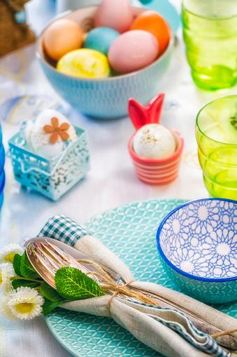 イースター「Colorful Decorated Easter Place Setting」:スマホ壁紙(4)