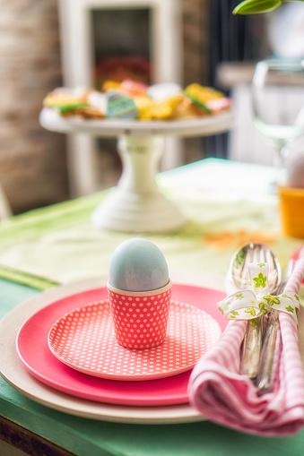 イースター「Colorful Decorated Easter Place Setting」:スマホ壁紙(11)