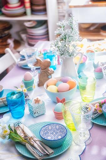 イースター「Colorful Decorated Easter Place Setting」:スマホ壁紙(15)