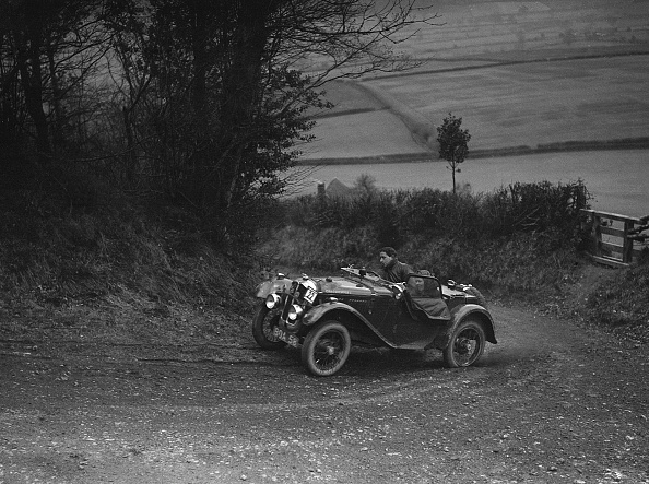 Country Road「Austin 7 Grasshopper of CD Buckley competing at the MG Car Club Midland Centre Trial, 1938」:写真・画像(4)[壁紙.com]