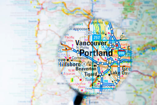 Oregon - US State「Cities under magnifying glass on map: Portland」:スマホ壁紙(5)