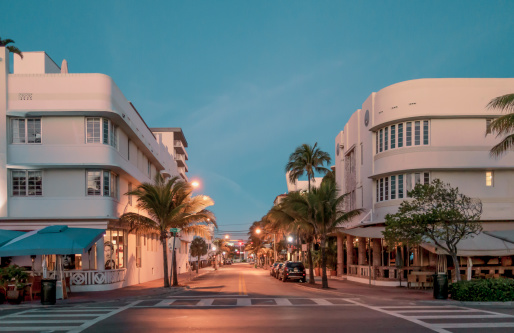 Miami「Art Deco buildings in South Beach.」:スマホ壁紙(17)