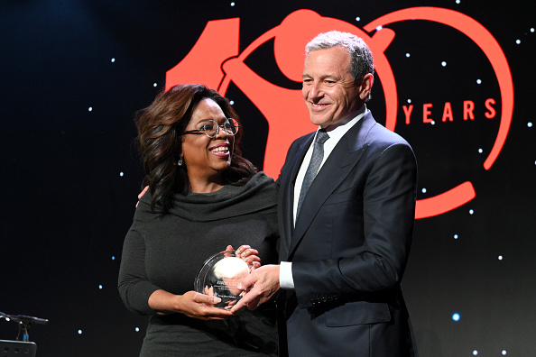 Oprah Winfrey「Save The Children's Centennial Celebration: Once in a Lifetime - Inside」:写真・画像(15)[壁紙.com]