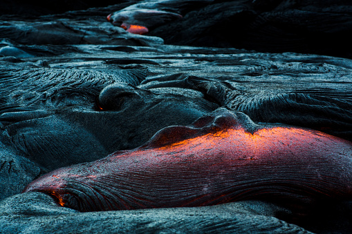 Active Volcano「Lava Flow on a mountain, Hawaii, America, USA」:スマホ壁紙(9)