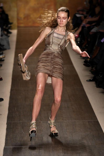 Misfortune「Herve Leger - Runway - Fall 09 MBFW」:写真・画像(5)[壁紙.com]