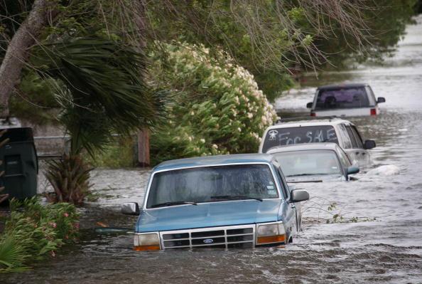 Hurricane Ike「Texas Gulf Coast Prepares For Hurricane Ike」:写真・画像(5)[壁紙.com]