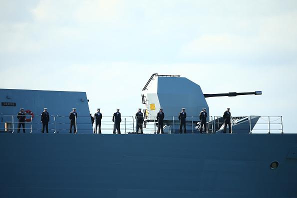 Passenger Craft「Warships Enter Sydney Harbour Ahead Of 2013 International Fleet Review」:写真・画像(14)[壁紙.com]