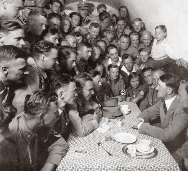 The Supreme SA Leader Adolf Hitler With His Comrades' 1938:ニュース(壁紙.com)