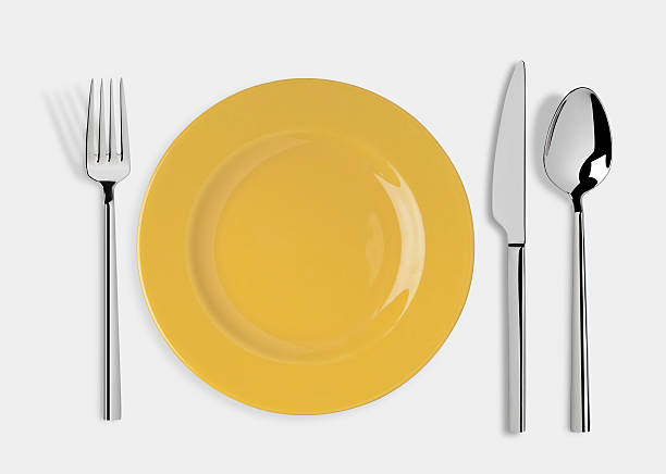 Empty plate with Knife, Spoon and Fork:スマホ壁紙(壁紙.com)