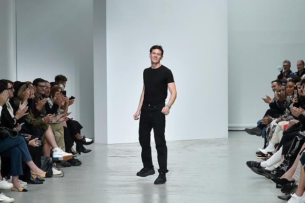 Gratitude「Mugler : Runway - Paris Fashion Week - Womenswear Spring Summer 2020」:写真・画像(18)[壁紙.com]
