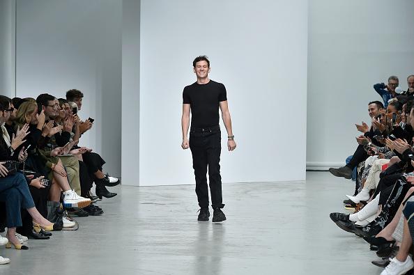 Gratitude「Mugler : Runway - Paris Fashion Week - Womenswear Spring Summer 2020」:写真・画像(19)[壁紙.com]
