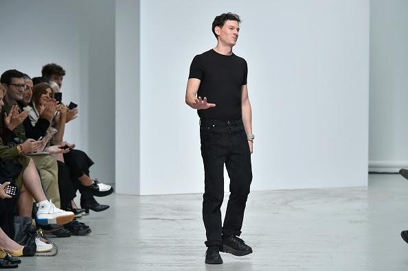 Gratitude「Mugler : Runway - Paris Fashion Week - Womenswear Spring Summer 2020」:写真・画像(15)[壁紙.com]