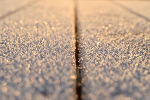 氷晶「Frost, wood, close-up」:スマホ壁紙(15)