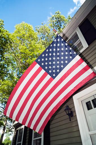 星空「House with American Flag」:スマホ壁紙(7)