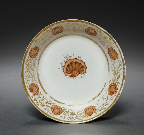 Gold Leaf「Saucer From Oliver Wolcott」:写真・画像(5)[壁紙.com]