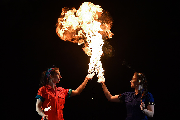 Offbeat「Female Circus Performers Reveal The Science Behind Their Acts」:写真・画像(18)[壁紙.com]