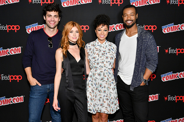 Katherine McNamara「2017 New York Comic Con - Day 3」:写真・画像(17)[壁紙.com]