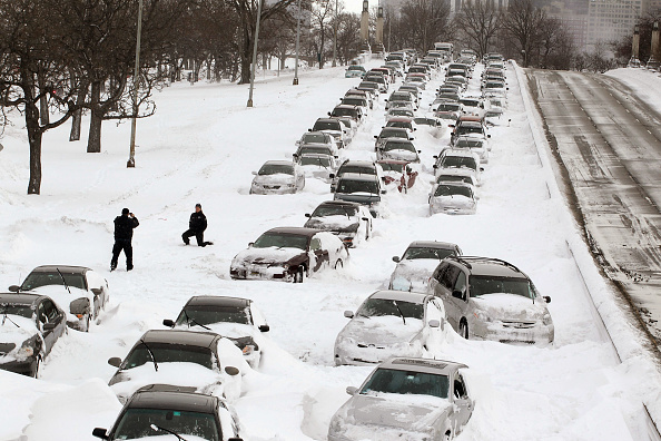 Blizzard「Major Blizzard Roars Through Chicago Area」:写真・画像(6)[壁紙.com]