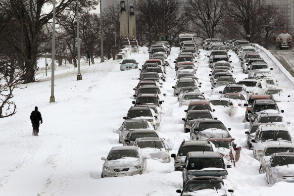 Blizzard「Major Blizzard Roars Through Chicago Area」:写真・画像(19)[壁紙.com]