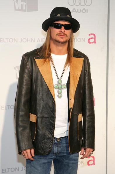 Crucifix「15th Annual Elton John AIDS Foundation Oscar Party」:写真・画像(10)[壁紙.com]