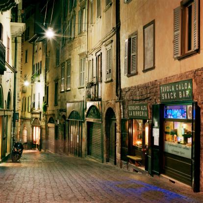 Bergamo「Narrow cobbled street in Bergamo at night」:スマホ壁紙(7)