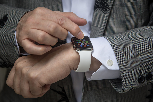 ウェアラブル端末「Apple Watch Goes On Sale At Handful Of Boutiques Around The World」:写真・画像(1)[壁紙.com]