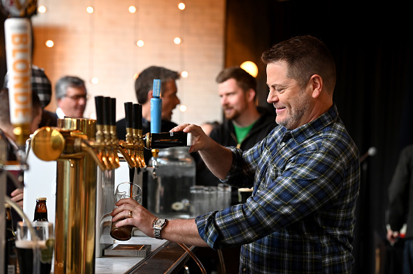 Beer Glass「Celebrating The Countdown To St. Patrick's Day With Guinness And Special Guest Nick Offerman」:写真・画像(6)[壁紙.com]