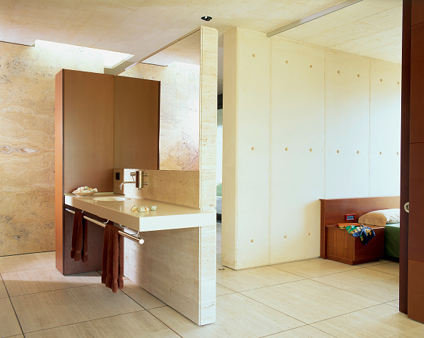 Napkin「View of a partitioned washbasin area」:写真・画像(17)[壁紙.com]