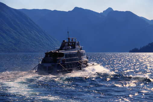 Passenger「view of a passenger boat sailing in rough seas」:スマホ壁紙(8)