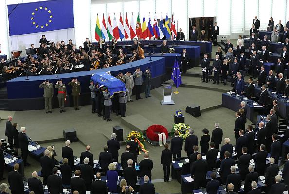 European Union「European Parliament Holds Helmut Kohl Memorial」:写真・画像(1)[壁紙.com]