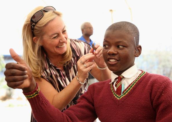 Volunteer「Bringing Hearing To The Children Of Lesotho」:写真・画像(8)[壁紙.com]