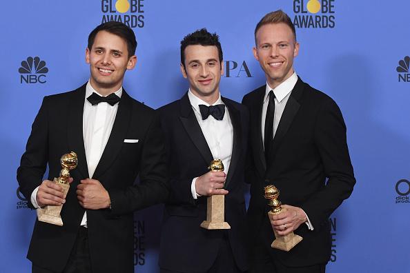 Burberry「74th Annual Golden Globe Awards - Press Room」:写真・画像(4)[壁紙.com]