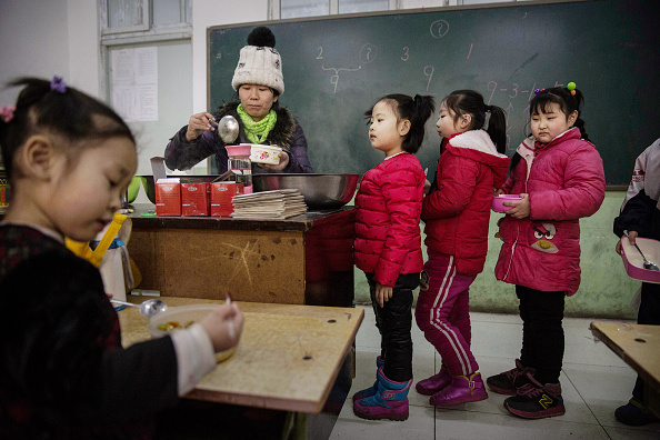 Classroom「China To Give Residency Rights To Migrant Families」:写真・画像(5)[壁紙.com]