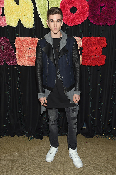 Teen Vogue「Teen Vogue Celebrates Emma Roberts And Aerie Saturday October 24」:写真・画像(4)[壁紙.com]