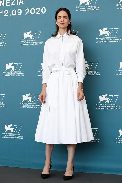 """White Shirt「""""The World To Come"""" Photocall - The 77th Venice Film Festival」:写真・画像(17)[壁紙.com]"""