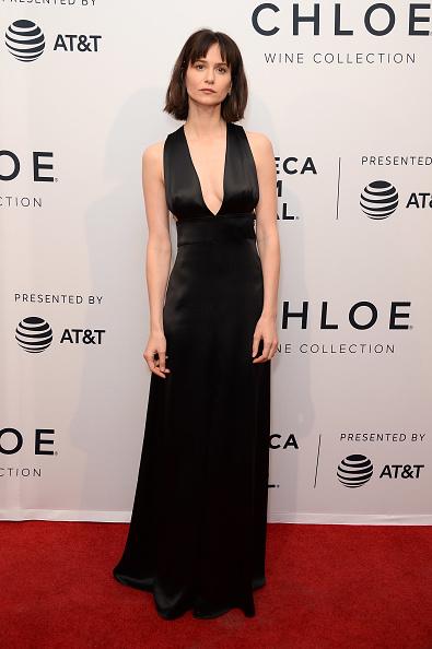"Black Dress「""State Like Sleep"" - 2018 Tribeca Film Festival」:写真・画像(7)[壁紙.com]"