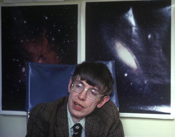 Physicist「Stephen Hawking」:写真・画像(7)[壁紙.com]